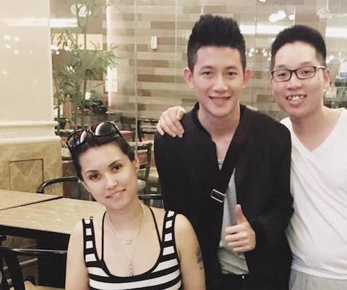 Maria Ozawa chụp hình với fan Việt gây chú ý - 2