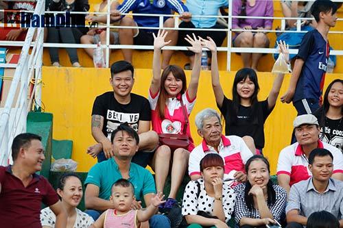 Thực hư vụ Sài Gòn FC trả 60000 đồng/người đến sân cổ vũ - 1