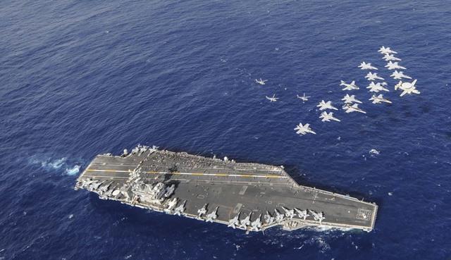 Ảnh: Độ hoành tráng của tàu sân bay Mỹ - 1