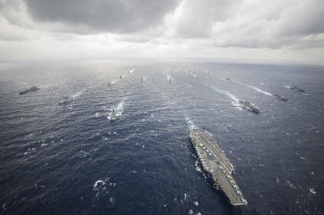 Ảnh: Độ hoành tráng của tàu sân bay Mỹ - 10