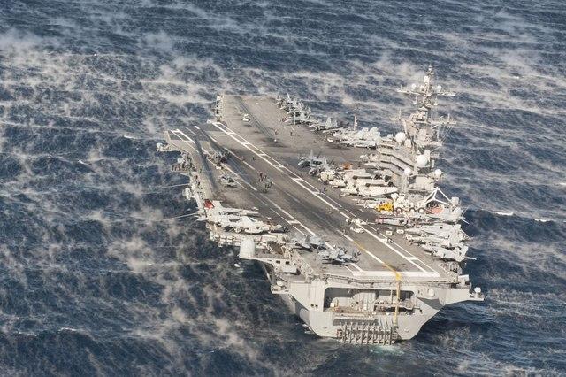 Ảnh: Độ hoành tráng của tàu sân bay Mỹ - 5