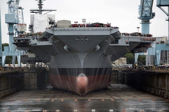 Ảnh: Độ hoành tráng của tàu sân bay Mỹ - 6