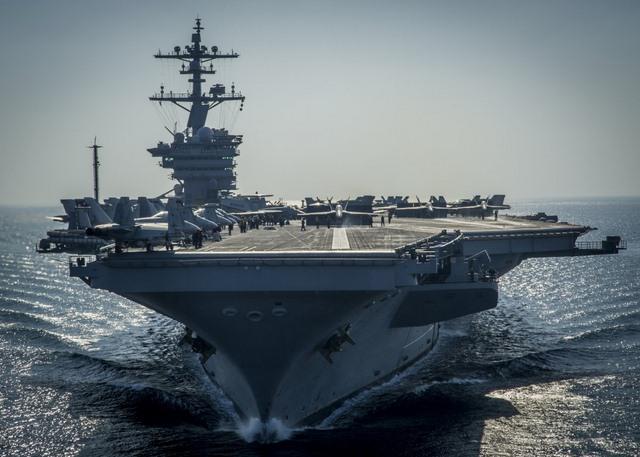Ảnh: Độ hoành tráng của tàu sân bay Mỹ - 9