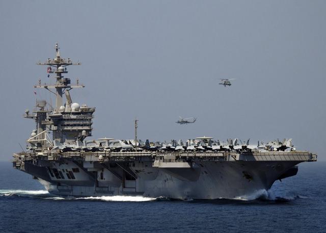 Ảnh: Độ hoành tráng của tàu sân bay Mỹ - 13