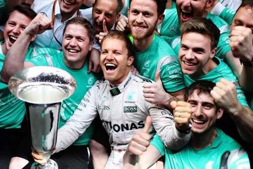 F1, Mercedes: Hamilton gặp hạn, cờ đến tay Rosberg - 1