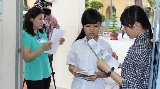 Bài thi của học sinh tỉnh Tây Ninh đưa về TP HCM chấm - 1