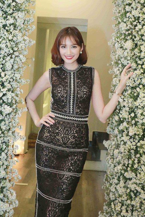 Mỹ nhân Việt nô nức khoe dáng với váy ren quyến rũ - 11