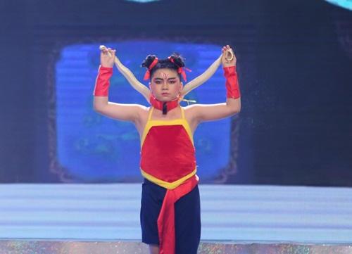 Con trai Hoài Linh khiến giám khảo hoảng sợ - 1