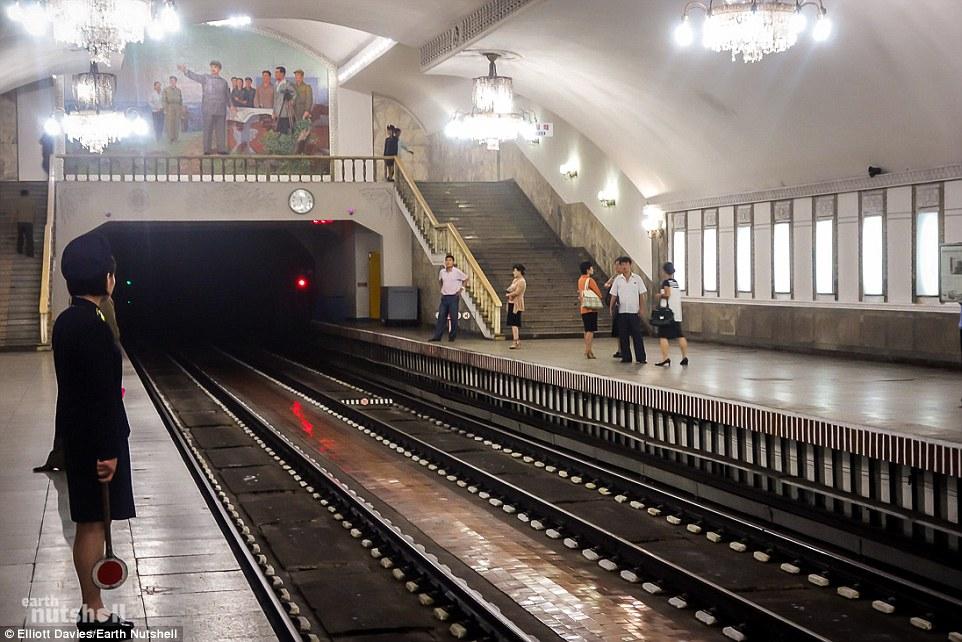 Bất ngờ hệ thống tàu điện ngầm bí mật ở Triều Tiên - 5