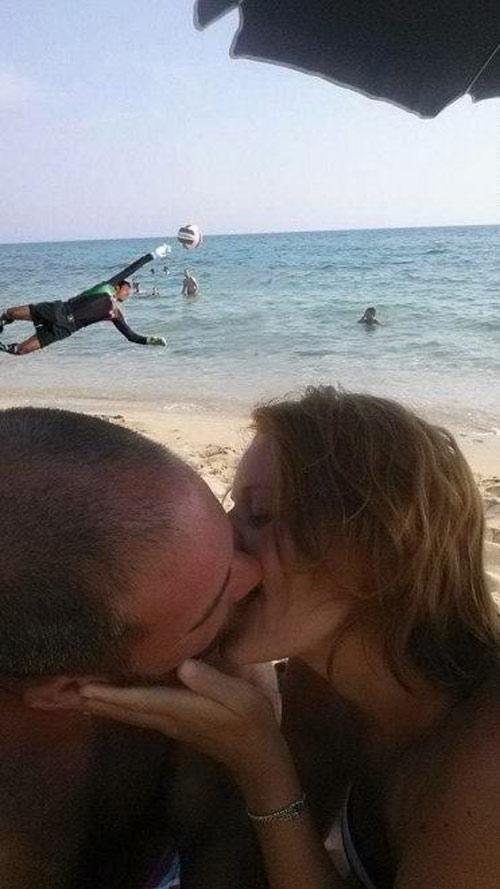 Thanh niên cầu cứu: Hãy xóa cậu bé ra khỏi bức ảnh! - 10