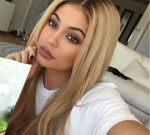 """Những lần đổi màu tóc """"chóng mặt"""" của hotgirl Hollywood - 10"""