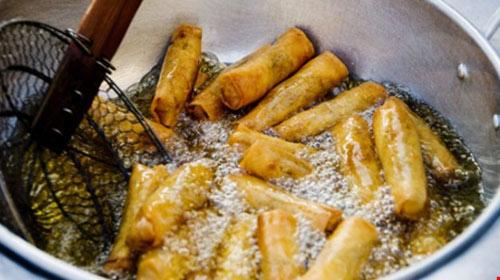 7 món ăn nên hạn chế trong mùa hè - 2