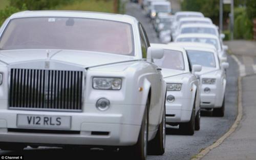 Choáng ngợp trước dàn xe tang Limousine, Rolls Royce tiền tỷ - 2