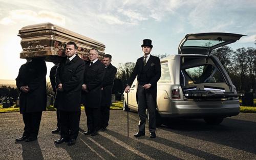 Choáng ngợp trước dàn xe tang Limousine, Rolls Royce tiền tỷ - 4