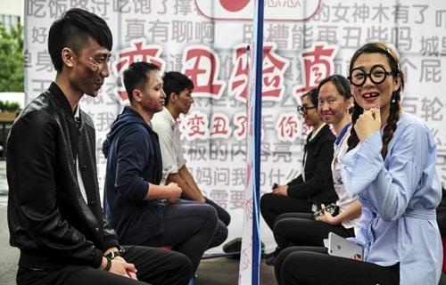 Giới trẻ Trung Quốc làm mặt xấu thử lòng người yêu - 1