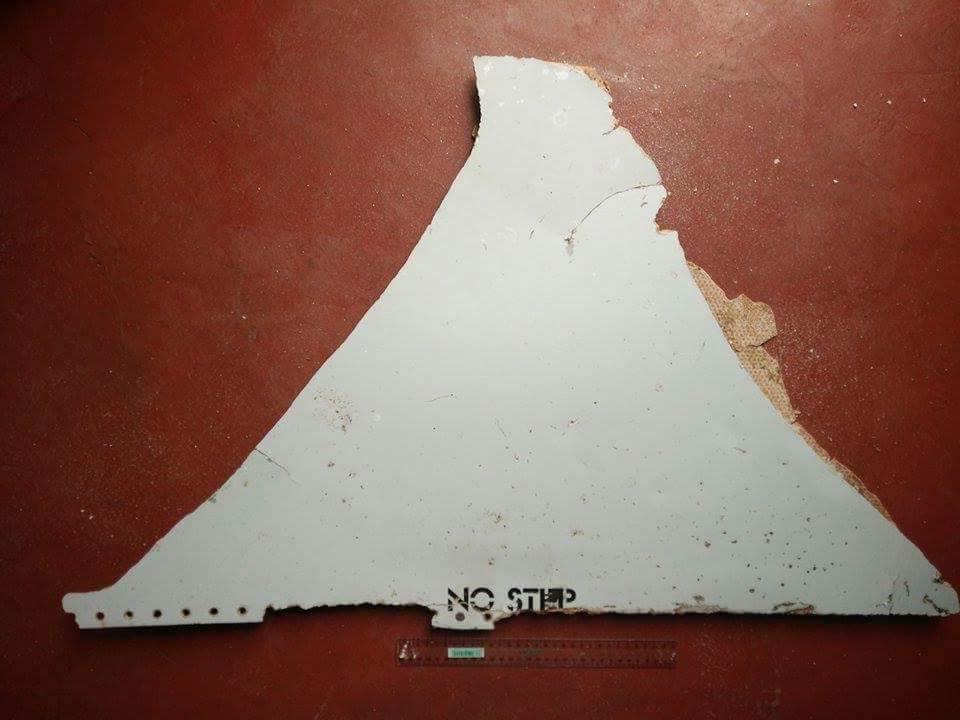 Chính thức xác nhận mảnh vỡ ở Mozambique là của MH370 - 1