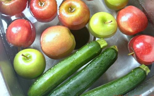 Mẹo pha 4 loại hỗn hợp khử sạch chất độc trong hoa quả, rau củ - 2