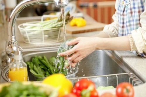 Mẹo pha 4 loại hỗn hợp khử sạch chất độc trong hoa quả, rau củ - 4
