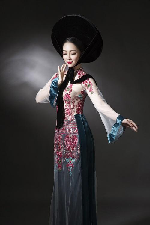 Linh Nga diện áo dài mỏng manh, xuyên thấu - 3