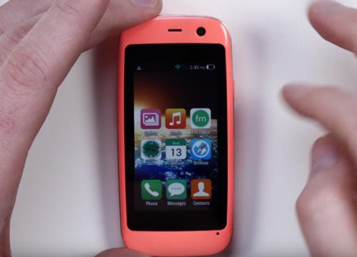 Ra mắt chiếc smartphone Android nhỏ nhất thế giới - 3
