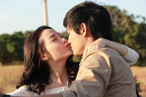 Lộ cảnh nóng của Minh Hằng-Quý Bình trong phim mới - 1