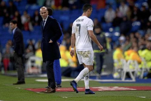 Ronaldo lên tiếng về chấn thương - 2