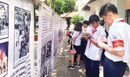 Những lớp học 'lạ' ở Sài thành - 1