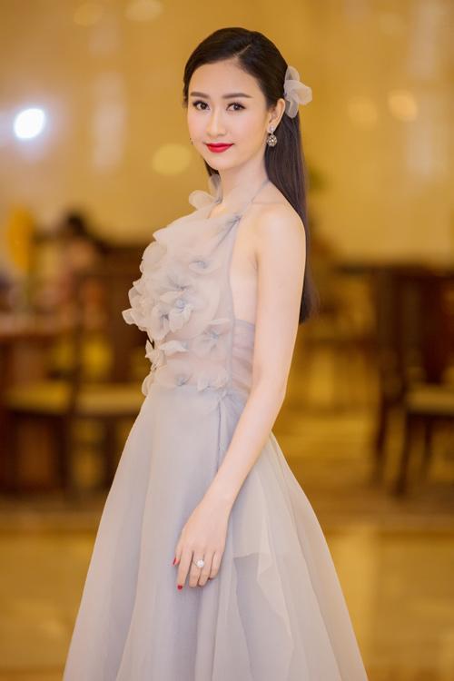 Phạm Hương được vinh danh là Người phụ nữ của năm - 9