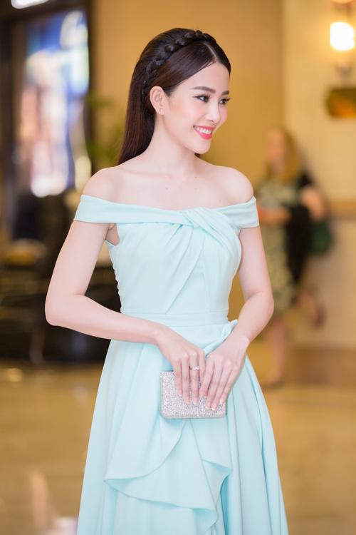 Phạm Hương được vinh danh là Người phụ nữ của năm - 11