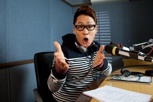 Sao Hàn để lại xe 2 tỷ, bỏ trốn sau khi gây tai nạn - 1