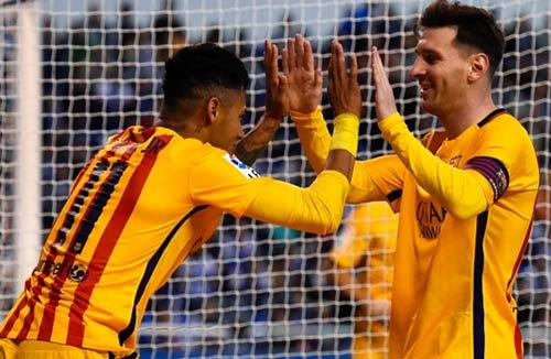 """Kỳ lạ: Messi và """"2 lần"""" ăn mừng mốc 500 bàn thắng - 1"""