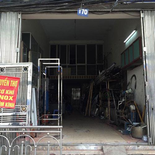 """Hà Nội xôn xao người đàn ông treo biển """"tuyển vợ hiền"""" - 3"""