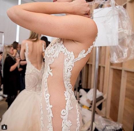 Váy cưới mỏng tang dành cho cô dâu táo bạo - 14
