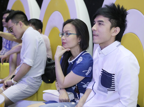 Quang Linh giản dị, xuề xòa bên Đan Trường bảnh bao - 7