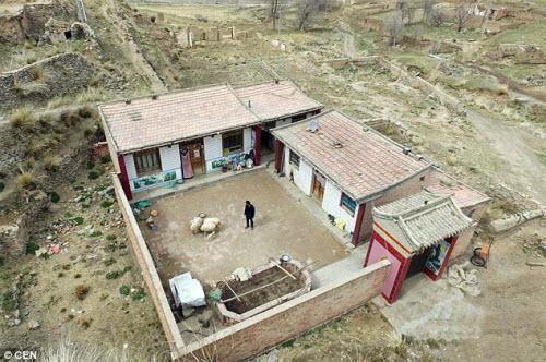 Ngôi làng có 1 người ở Trung Quốc - 1