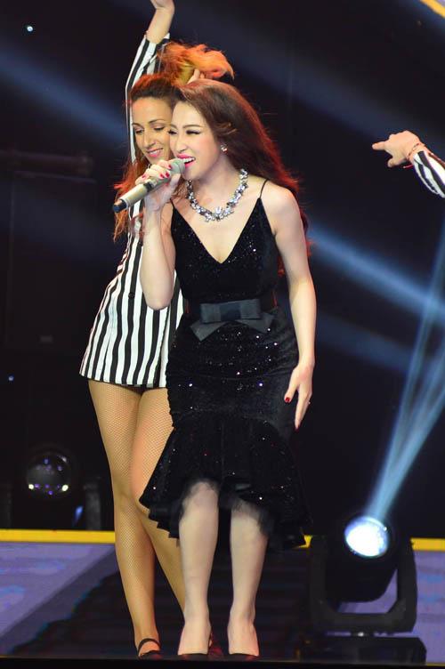 Đan Trường, Cẩm Ly phấn khích nhún nhảy vì hot girl Gia Lai - 2