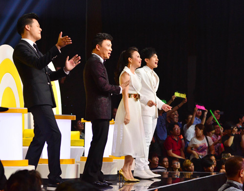 Đan Trường, Cẩm Ly phấn khích nhún nhảy vì hot girl Gia Lai - 3