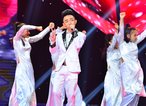 Đan Trường, Cẩm Ly phấn khích vì hot girl Gia Lai - 4