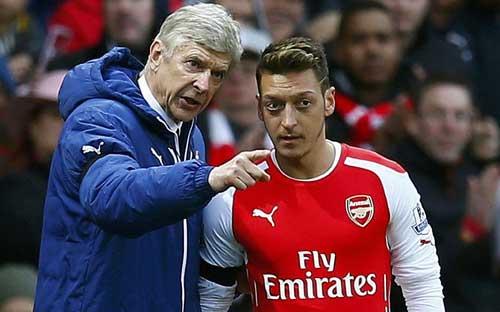 Arsenal thắng trận 500, Wenger chỉ bênh Ozil - 1