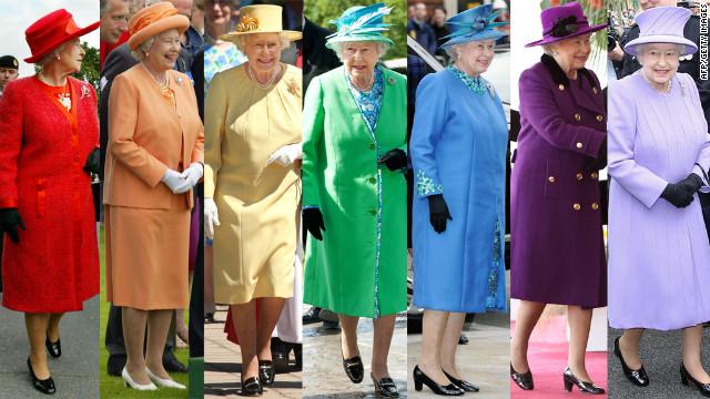 Nữ hoàng Anh thích diện 7 sắc cầu vồng - 1