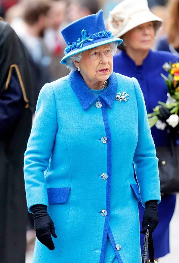 Nữ hoàng Anh thích diện 7 sắc cầu vồng - 4