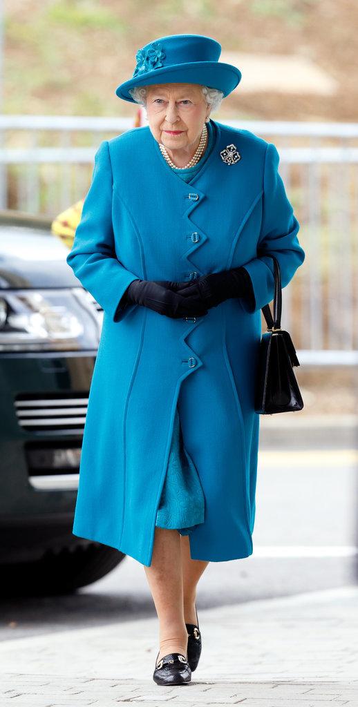 Nữ hoàng Anh thích diện 7 sắc cầu vồng - 8