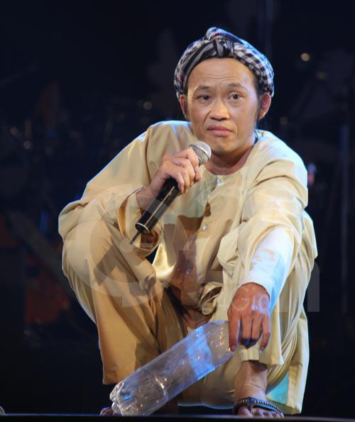 Chẳng cần là soái ca, Hoài Linh vẫn khiến fan phát cuồng - 2