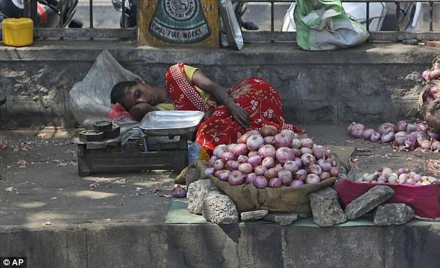 Nắng nóng khủng khiếp ở Ấn Độ, hơn 100 người thiệt mạng - 2