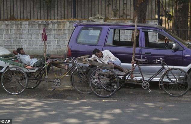Nắng nóng khủng khiếp ở Ấn Độ, hơn 100 người thiệt mạng - 3