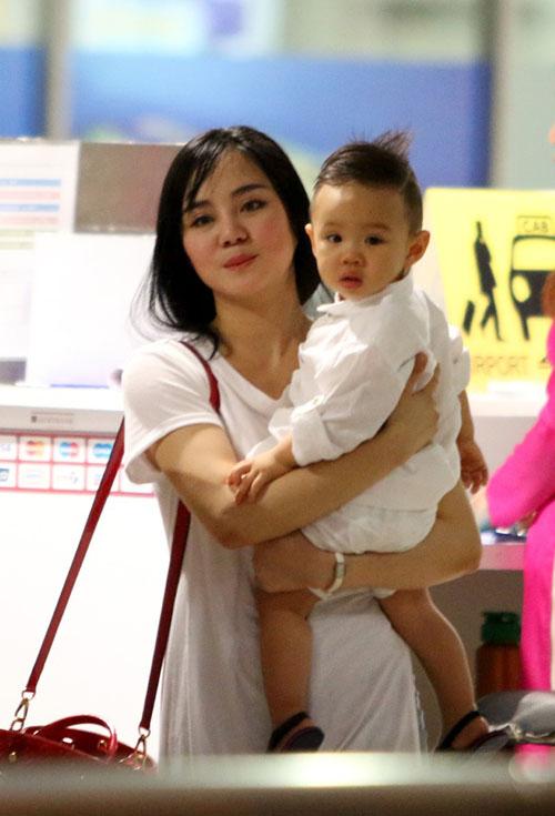 Vy Oanh lần đầu đưa con trai về Việt Nam - 6