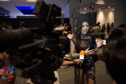 Hậu trường bikini đẹp bất ngờ ở Hoa hậu Chuyển giới - 5