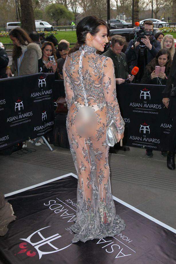 """Nội y """"độc"""" giúp người đẹp Anh mặc váy hở 90% cơ thể - 3"""