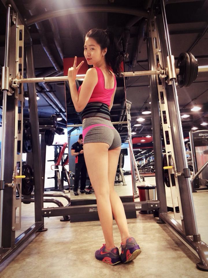 """Cách nở vòng 3 của """"hot girl phòng gym"""" Hà Nội - 3"""