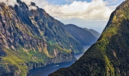Thoải mái du lịch ở 10 quốc gia an toàn nhất thế giới - 8